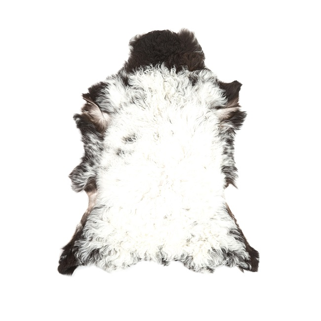 Peau d`agneau du Béarn tapis descente de lit tapis en laine naturelle chambre canapé décoration importateur grossiste vente en gros dt collection direct tannerie
